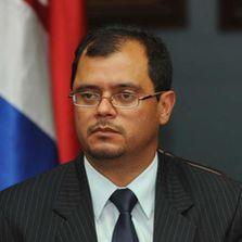 Don José Luis Quesada, Gerente de Pensiones de la CCSS, Usted no me asunta, demándeme, así lo podré exponer más rápido ante la opinión pública.