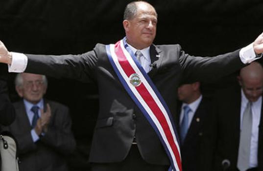 Señor Presidente don Luis Guillermo Solís Rivera, no reelija a ninguno de los miembros de la Junta Directiva de la CCSS (no permita presiones de ningún gremio) el pueblo lo apoya.