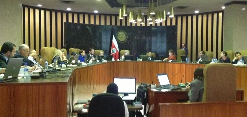 Las Diputadas (os) que no están de acuerdo con la reelección del Fiscal General, deben pronunciarse de manera contundente.