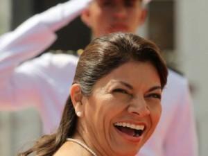 Señor Presidente, el Decreto 37127 (Laura Chinchilla), DILAPIDA 350 mil millones al Régimen de IVM de la Caja, por favor déjelo sin efecto, ya que es ilegal.