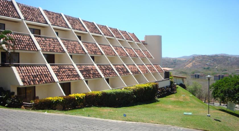 Villas Sol Hotel & Beach Resort «Promotora La Costa» adeuda a nuestra Seg Social ₡42.9 millones