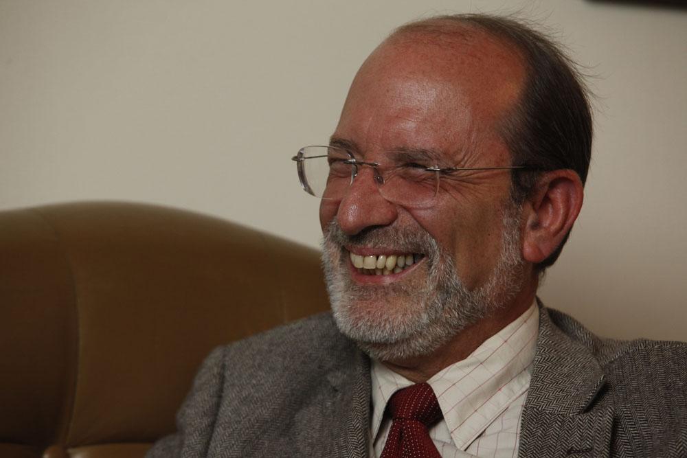 Henning Jensen Pennington (Rector de la UCR) aparece ante el Registro Civil con 2 números de cédula diferentes.