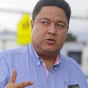Señor Ministro del MOPT, Carlos Villalta por favor no me haga actuar con el Derecho de Petición.(art 13).