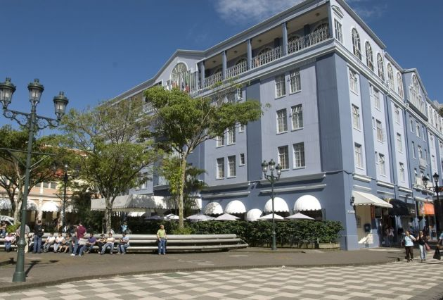 Señora Ministra de Cultura, en el traspaso del Edif del Hotel Costa Rica existen serias anomalías.