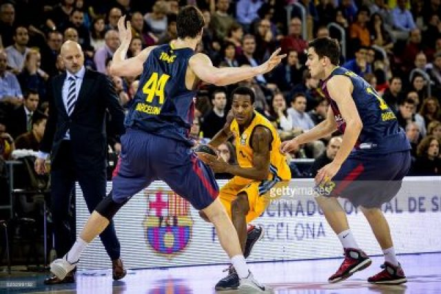 Barcelona, Spain. 27th February 2015 -- Alex Renfroe of Alba Berlin in action during the 2014-2015 Turkish Airlines Euroleague Group E Top 16 Round 8 between FC Barcelona and Alba Berlin at Palau Blaugrana, Barcelona, Spain. (Photo by Miquel Llop/NurPhoto)