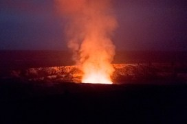 Halemaumau_Crater,_March_2013