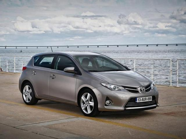 Toyota Auris - Eastbourne on wheels