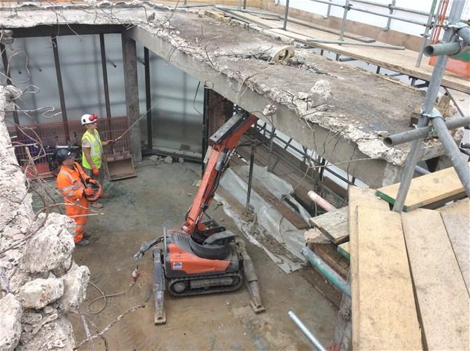 Robore Cuts tests Husqvarna's demolition robot
