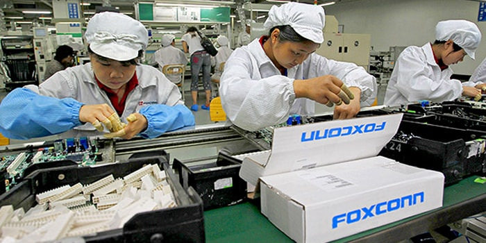 Foxconn to replace all humans with robots