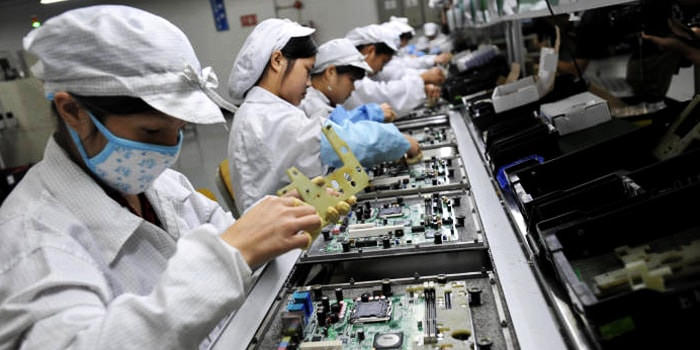 Foxconn evaluating US locations for $10 billion expansion plans