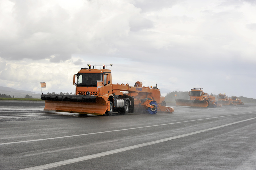 Mercedes demonstrates driverless snow-clearing trucks at Frankfurt Airport