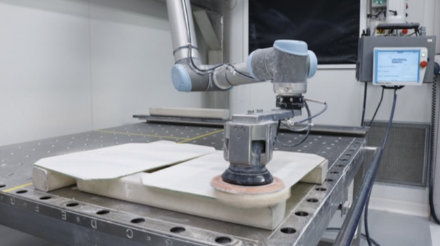 Saint-Gobain plant reduces injuries with Robotiq force-torque sensor