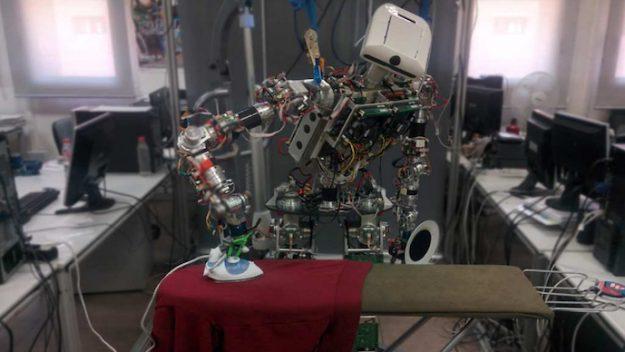 robot-625x352