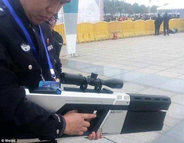 20170330_china_drone_gun.640x1200 Как сбить дрон? Иракский и российский способ. Сравним!