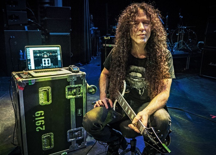 Marty Friedman y su virtuosa guitarra en Mexico.