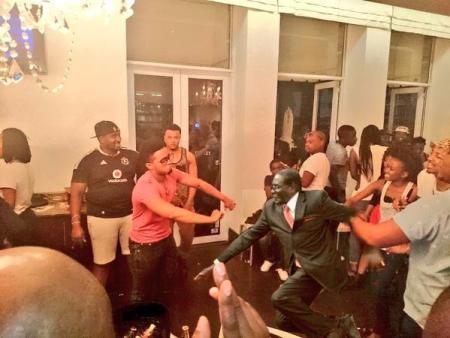 dancing2Mugabe #MugabeFalls