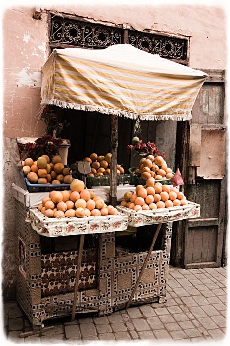 Orangestand_1_