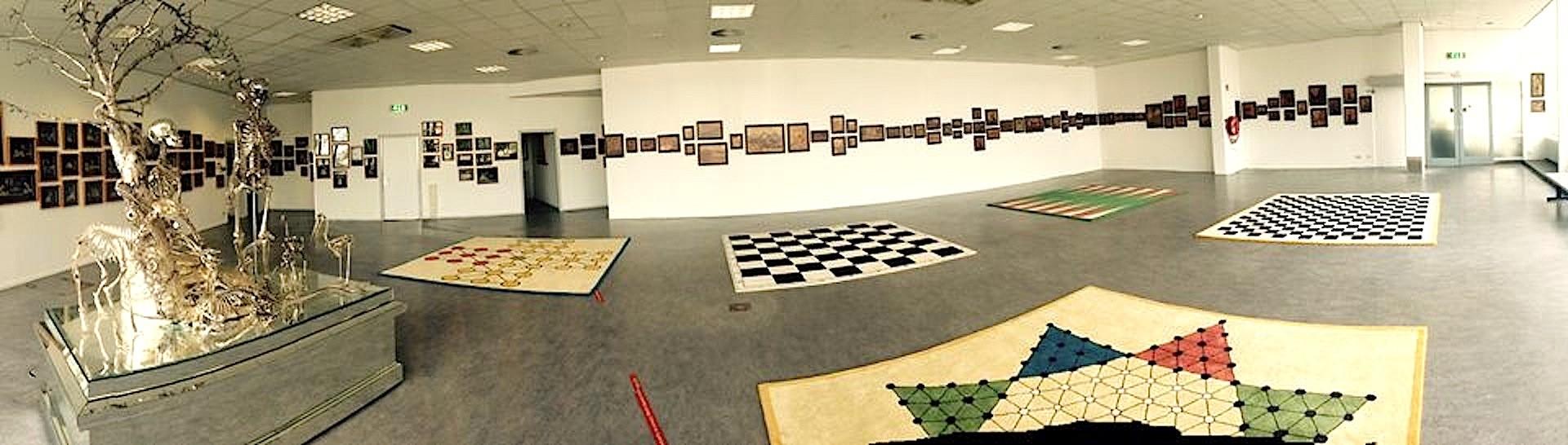 Monika Jordense Michalski – Panorama grote zaal Rob Scholte Museum