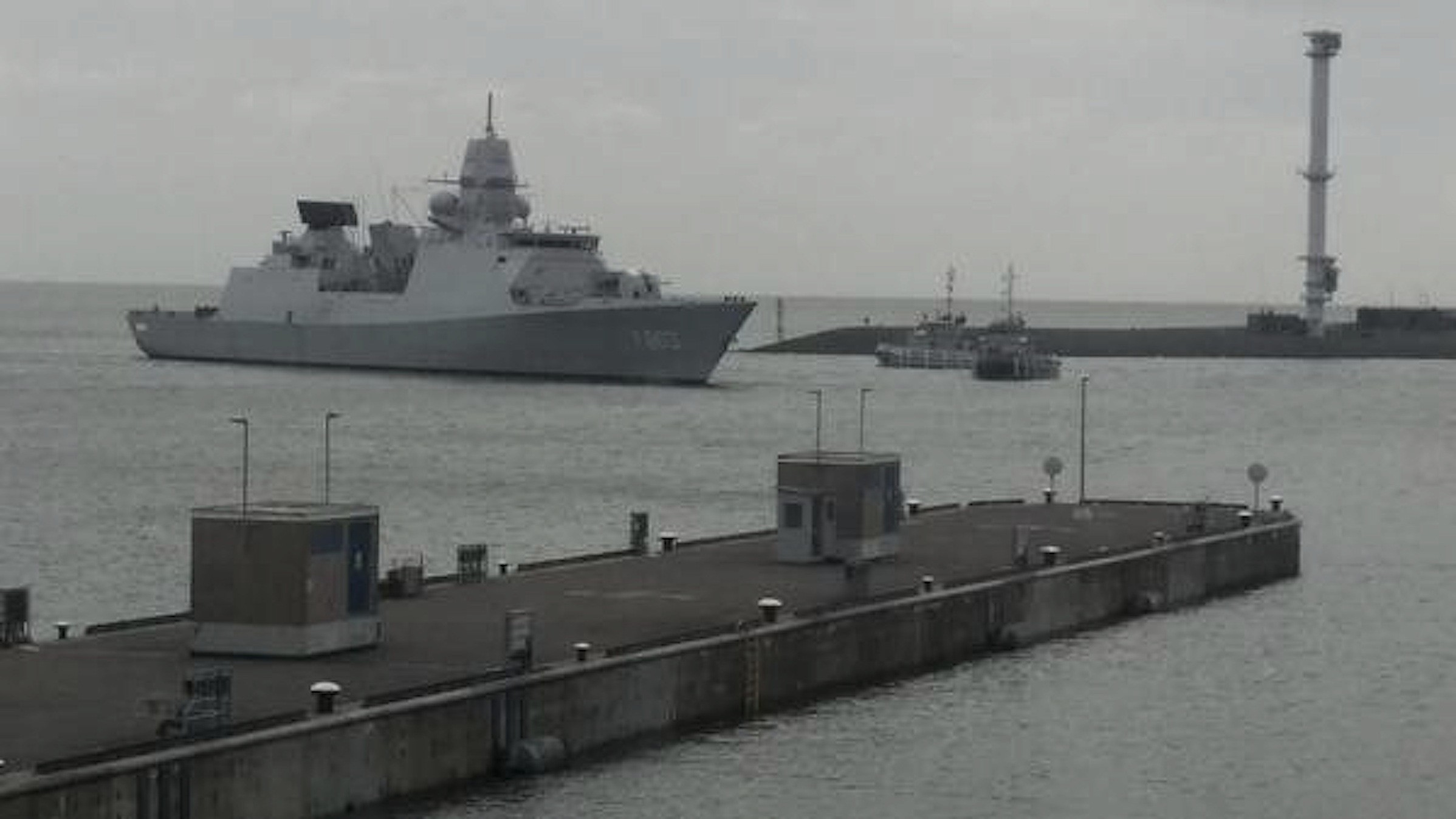 Zr. Ms. Tromp terug in Den Helder (foto Hero Smit)