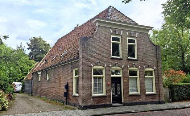 Dorpsstraaat 129 in Nieuwe Niedorp. Vanaf 1 juli geen provinciaal monument meer. En dan? (foto Ed Dekker:HMC)