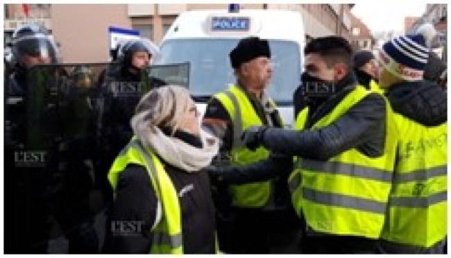 Gilets Jaunes et Police (foto esterepublicain.fr