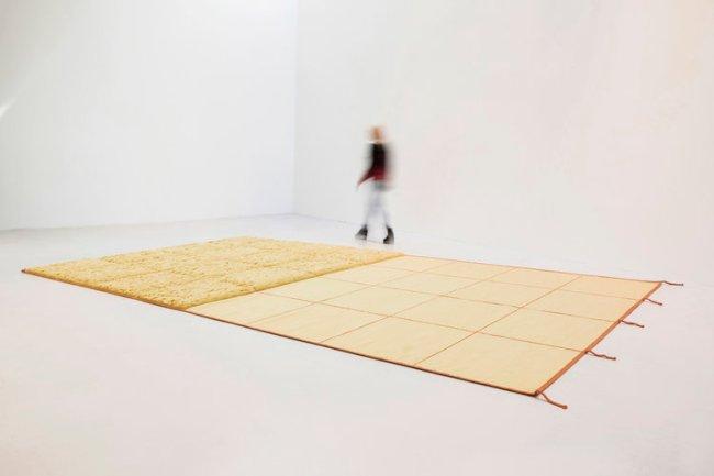 Rosemarie Trockel - Jaune:Jeune carpet (2018, foto Petra Singh, Equator Production)