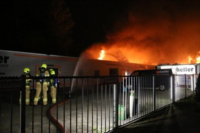 Nathouden door brandweer van Den Helder (foto NHD)