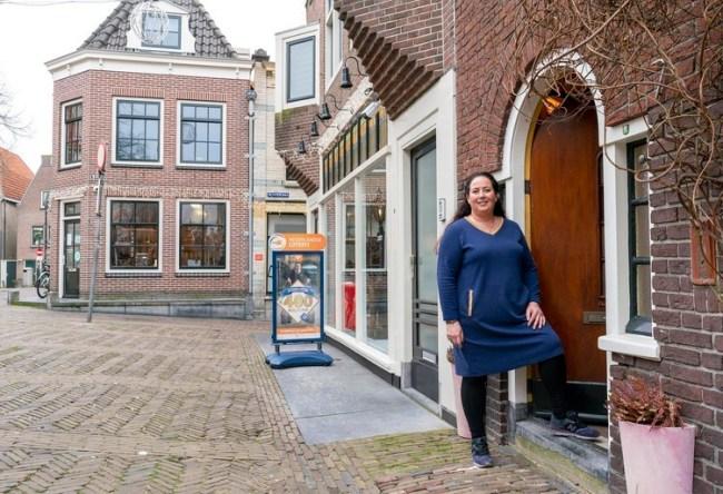 Tamar Korthof is opgelucht. dat Susanne niet voor haar deur komt te staan (foto Han Jong:JJfoto.nl)