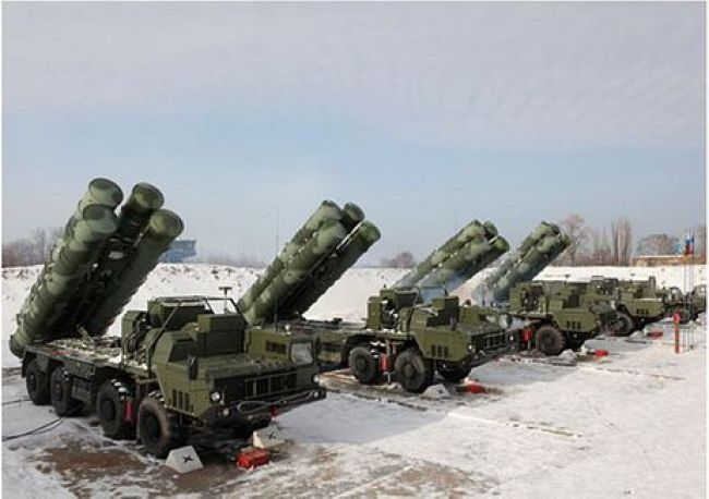 But it was electronically locked on and tracked by powerful S 400 Missile Systems (above) (foto What Does It Mean)