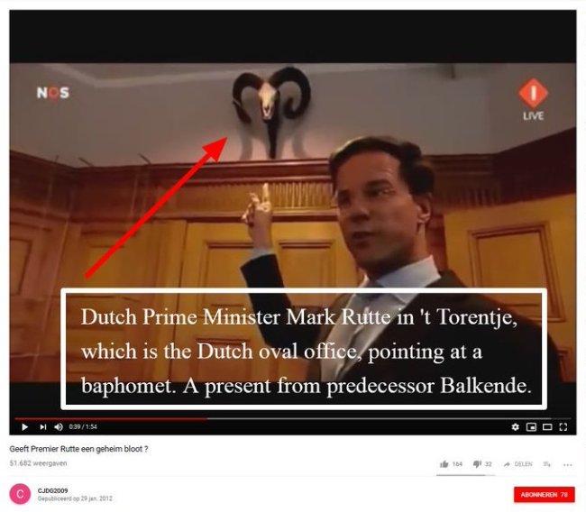 Present from his predeccessor Balkenende (foto Twitter)