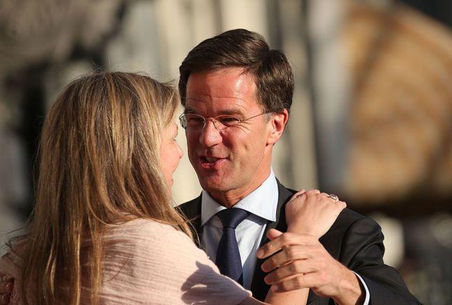 Maxima werd tijdens G20 top aangezien voor de vriendin van Mark (foto Harper S bazaar)