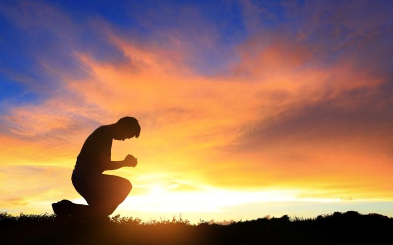 A vida humana é feita de duas realidades: queixas e respostas