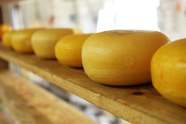 cheddar-cheese-wheels