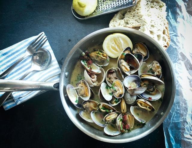 pot-full-of-seafood