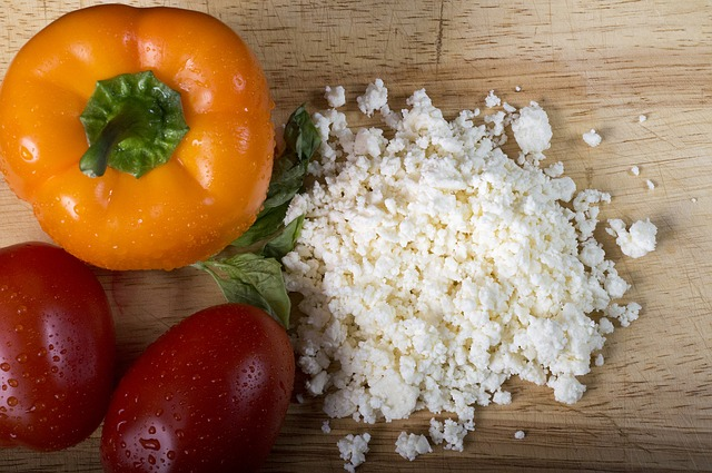 crumbled-feta-with-bell-peppers