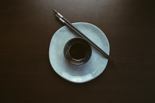 bowl-of-soy-sauce-with-chopsticks