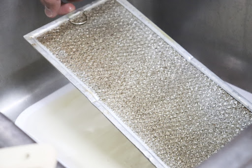 Cleaning microwave filter