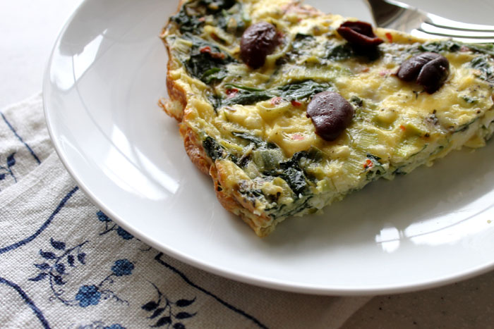Greek-inspired-crustless-quiche2