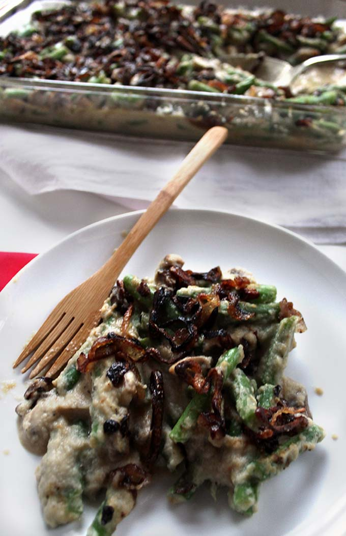 Green Bean Casserole with Creamy Cauliflower Sauce and Crispy Shallots. Perfect side dish for #Thanksgiving. #Glutenfree