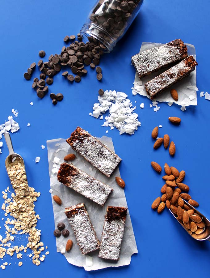 Almond Coconut Chocolate Chip Granola Bars. Easy. Healthy. Tasty. #RefinedSugarFree #GlutenFree #Vegan