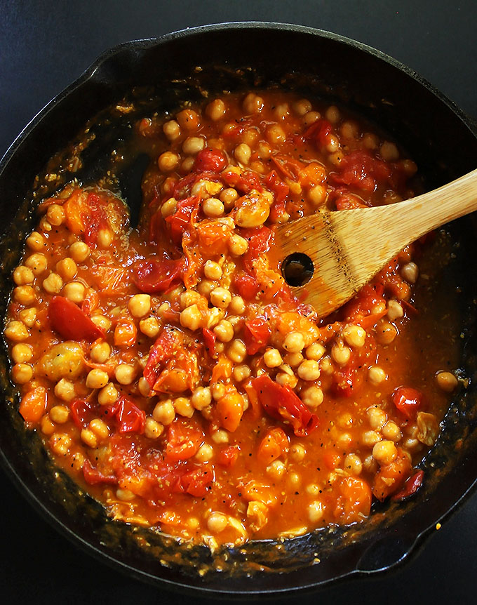 Tomato sauce with chickpeas for Roasted Ratatouillie with Polenta! #glutenfree  | robustrecipes.com
