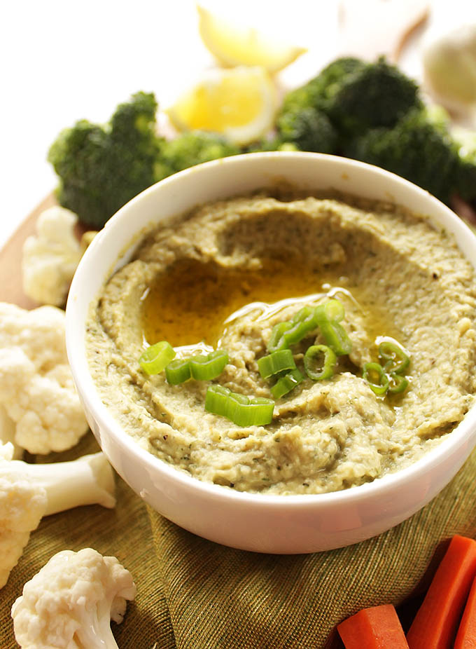 Ranch Hummus - This recipe is so EASY to make, it's the perfect addition to any veggie platter! Classic hummus meets the bold flavors of ranch! Vegetarian/Gluten Free.