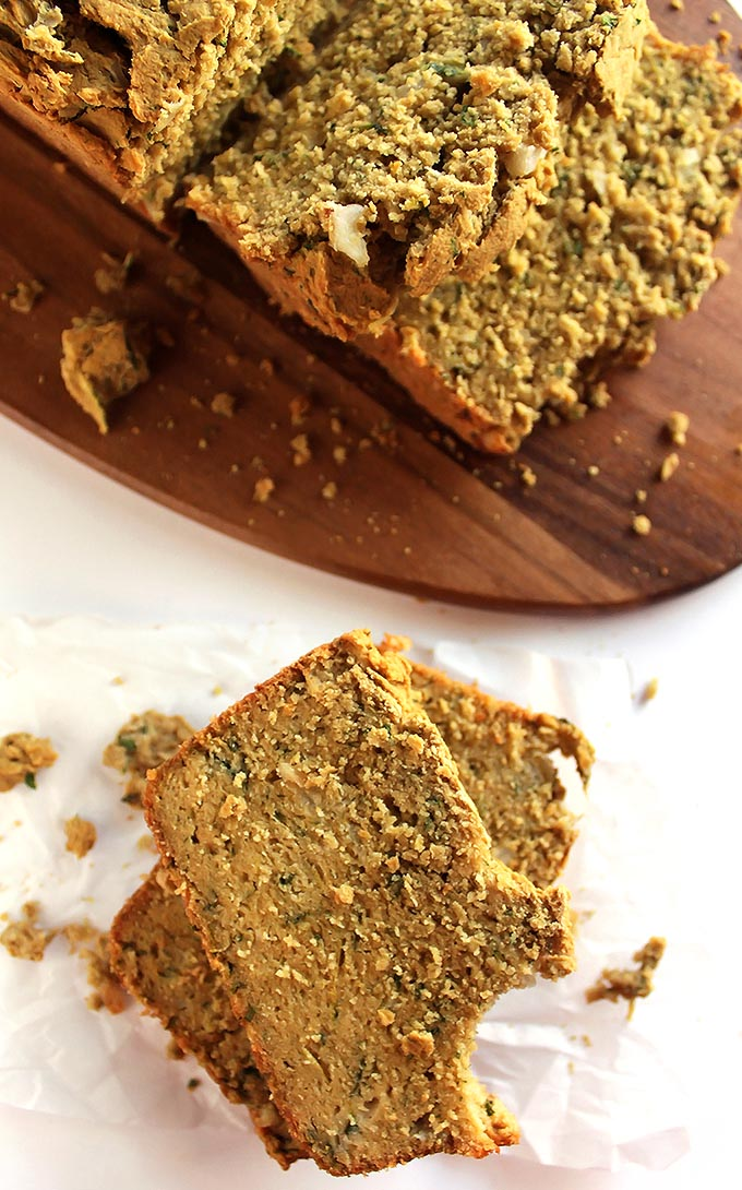 Gluten Free Savory Zucchini Bread - Savory zucchini bread speckled with onion, garlic, and herbs, and zucchini. We LOVE this recipe in the fall! Gluten free / dairy free | robustrecipes.com