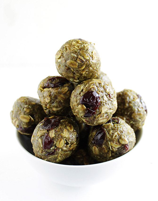 Matcha Cherry Energy Balls - Packed with healthy ingredients! Great for snacking! This recipe is EASY to make! Gluten free/vegan/refined sugar free