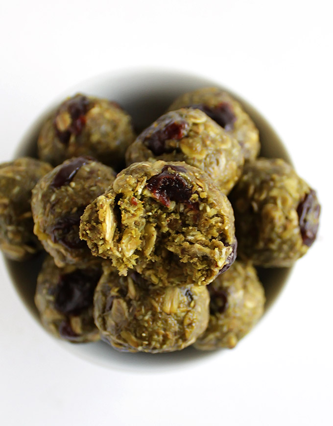 Matcha Cherry Energy Balls - Packed with healthy ingredients for a balanced snack. This recipe is EASY to make! Gluten free/vegan/refined sugar free | robustrecipes.com