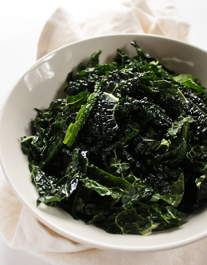 Kale for Roasted Veggie Salad with Skinny Ranch Dressing. Gluten Free | robustrecipes.com
