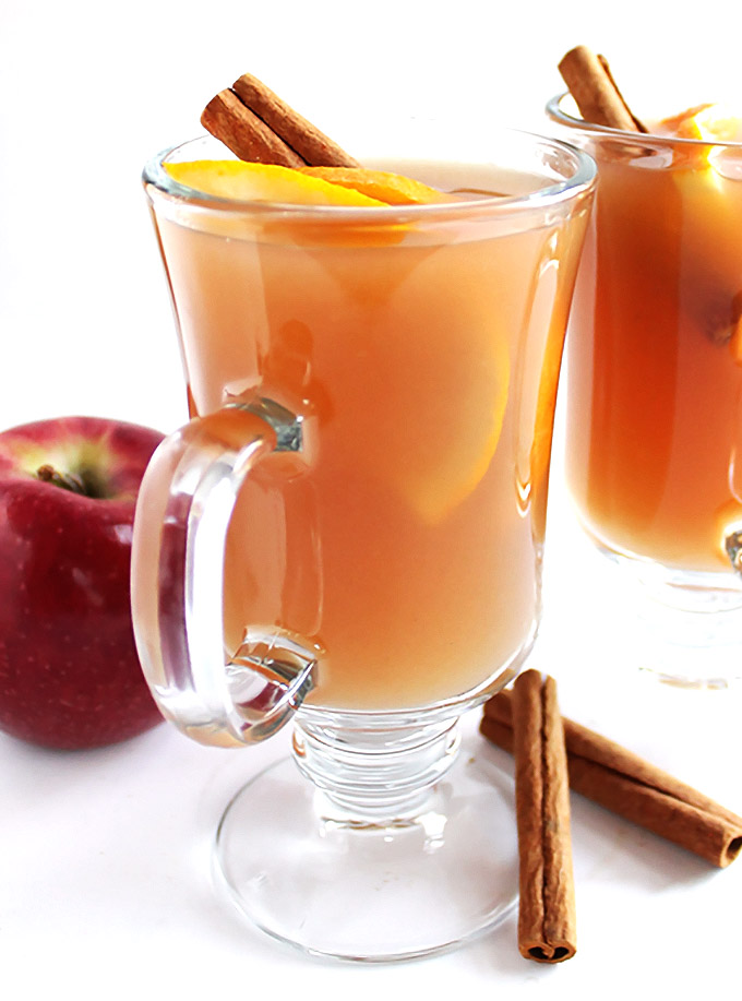 Slow Cooker Apple Cider + Boozy Bar - Fresh apple cider made in a slow cooker. This recipe is easy comforting, and delicious! Make a hot cider boozy bar: perfect for Halloween, Christmas, or New Year's Eve parties. Set out assorted hard liquors, juices, caramel sauce, cinnamon sticks etc for guests to customize their hot cider! Gluten free/vegan | robustrecipes.com