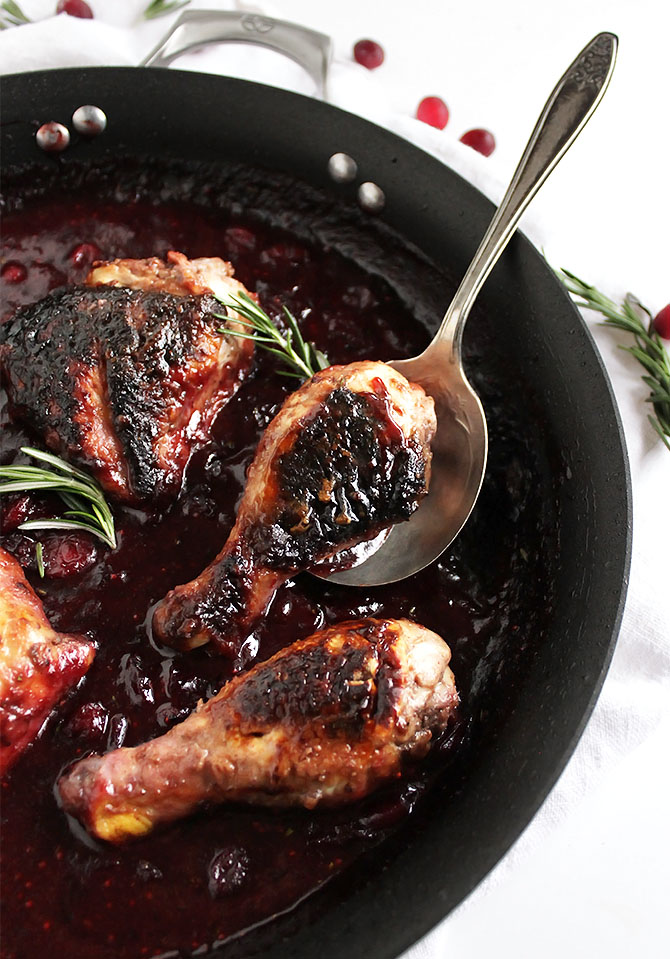 Marinated Cranberry Chicken - Chicken with crispy skin cooked in a tart cranberry sauce. This recipe is perfect for weeknight dinners or meal prep! Gluten Free | robustrecipes.com