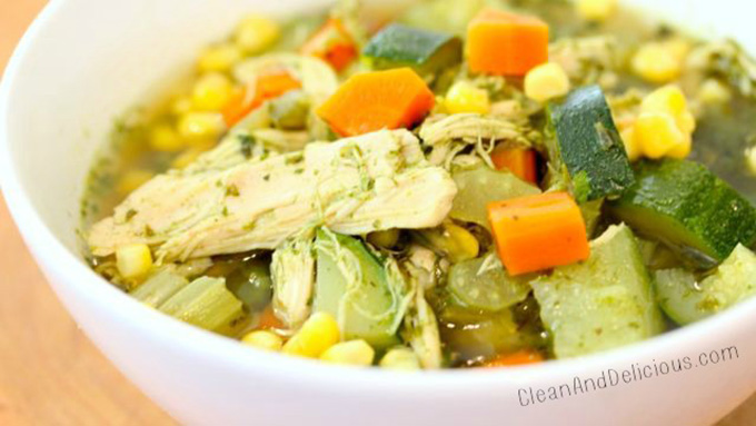 16 Gluten Free Soups for When You're Sick - Immunity Boosting Green Chicken and Veggie Soup | robustrecipes.com