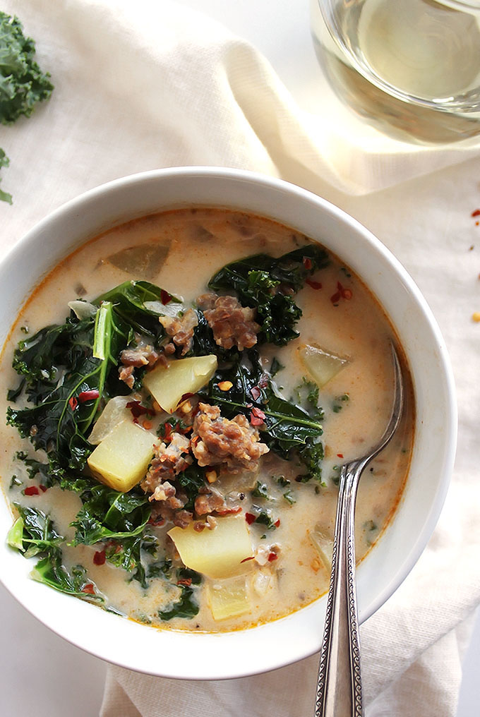 Diary Free Zuppa Toscana Soup - This soup is a healthier take on Olive Garden's soup! It's hearty, spicy, and delicious! This recipe is EASY to make, perfect for a weeknight meal! Gluten Free/Dairy Free | robustrecipes.com